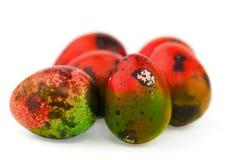 A Páscoa coloriu ovos de codorniz isolados Fotos de Stock