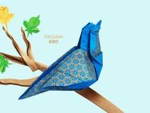 Pássaro do azul do origâmi imagens de stock royalty free