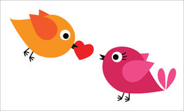 Pássaro dois com coração vermelho Fotografia de Stock