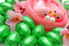 Ovos da páscoa e pássaros foto de stock royalty free