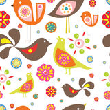 Pássaros pequenos coloridos Teste padrão sem emenda do vetor Imagens de Stock Royalty Free
