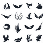 Pássaros preto e branco abstratos isolados, asas das borboletas com grupo do logotipo das penas Coleção do logotype do voo Ícones Imagens de Stock Royalty Free