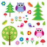 Pássaros, tress e corujas Imagem de Stock
