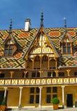 Pátio ao hotel Dieu de Hospices de Beaune Fotografia de Stock