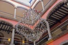 Pátio colonial espanhol Fotos de Stock