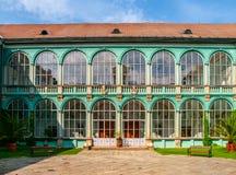 Pátio com as janelas vitrificadas do castelo do renascimento em Dacice, República Checa Imagem de Stock