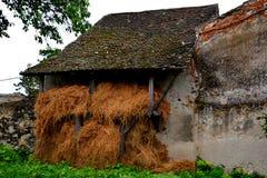 Pátio da igreja fortificada medieval em Ungra, a Transilvânia Imagem de Stock Royalty Free