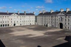 Pátio de Collins Barracks em Dublin, Irlanda, 2015 fotografia de stock