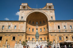 Pátio do Belvedere nos museus do Vaticano Imagens de Stock
