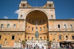Pátio do Belvedere nos museus do Vaticano Fotos de Stock
