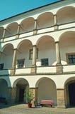 Pátio do castelo - colunas Fotos de Stock