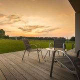 Pátio do por do sol em casa Imagens de Stock