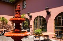 Pátio espanhol cor-de-rosa Foto de Stock