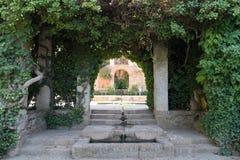 Pátio exterior Alhambra Islamic Royal Palace, Granada, Espanha Século XVI imagem de stock