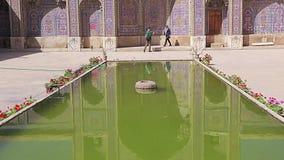 Pátio interno de Nasir al-Mulk Mosque video estoque