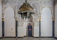 Pátio interno de um medersa marroquino Foto de Stock