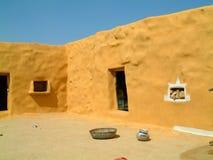 Pátio na vila de deserto fotografia de stock