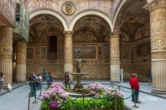 Pátio ornamentado no Palazzo Vecchio em Florença Foto de Stock