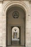 Pátio pequeno perto da praça Navona, Roma. Imagem de Stock