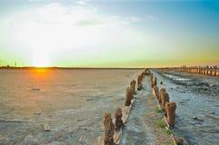 Pântano e por do sol de sal velho Fotos de Stock
