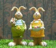 Pâques Bunny Wooden Sculpture Décor de maison de Pâques image libre de droits