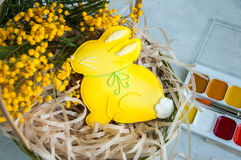 Pâques décorée Bunny Cookie Photos stock