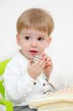 Pâques traditionnelle et enfant Photographie stock