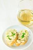 Pâté crémeux servi avec du pain français photographie stock libre de droits