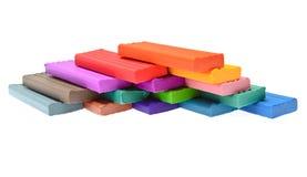 Pâte à modeler colorée d'isolement sur le fond blanc Image stock