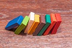 Pâte à modeler colorée par s de ` d'enfants de photo Matériaux pour la créativité Image libre de droits