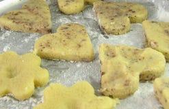 Pâte de biscuit prête pour le traitement au four Image stock