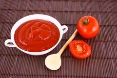 pâte de Ketchup-tomate Image libre de droits