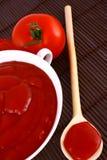 pâte de Ketchup-tomate Photographie stock libre de droits