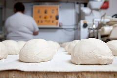 Pâte de pain avant la fermentation image libre de droits