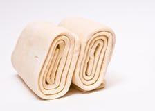 Pâte feuilletée surgelée. image libre de droits