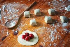 Pâte fraîche prête pour la cuisson photo libre de droits