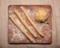 Pâte sur la farine Photos libres de droits