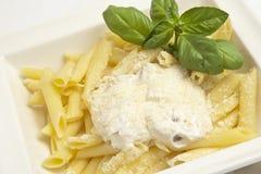 Pâtes avec de la sauce blanche Image libre de droits