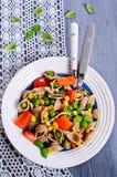 Pâtes avec des légumes Photographie stock libre de droits