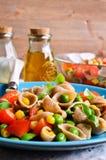 Pâtes avec des légumes Photo stock