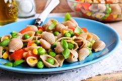 Pâtes avec des légumes Photographie stock