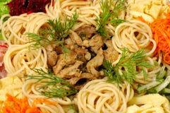 Pâtes avec du boeuf et des légumes Images libres de droits