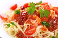 Pâtes avec la sauce tomate Images stock