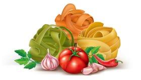 Pâtes avec la tomate et l'ail Photographie stock libre de droits