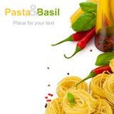 Pâtes avec le basilic Image stock
