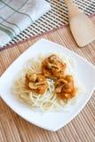 Pâtes avec les champignons et la sauce Photo libre de droits