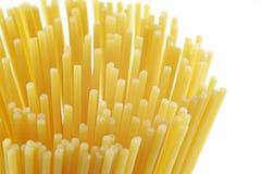 Pâtes crues de spaghetti Photographie stock libre de droits