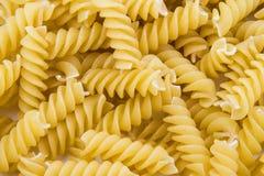 Pâtes crues en spirale de macaronis Images stock