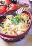 Pâtes cuites au four avec des légumes Photos libres de droits