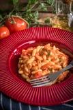 Pâtes de Cavatelli avec la sauce tomate fraîche Images libres de droits